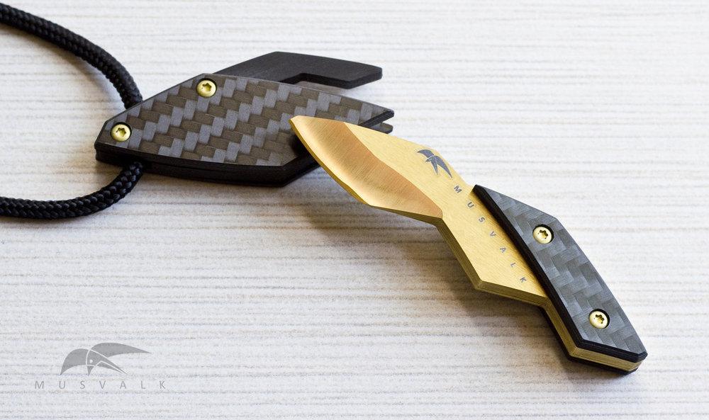 mv sheath and knife gold smlo.jpg