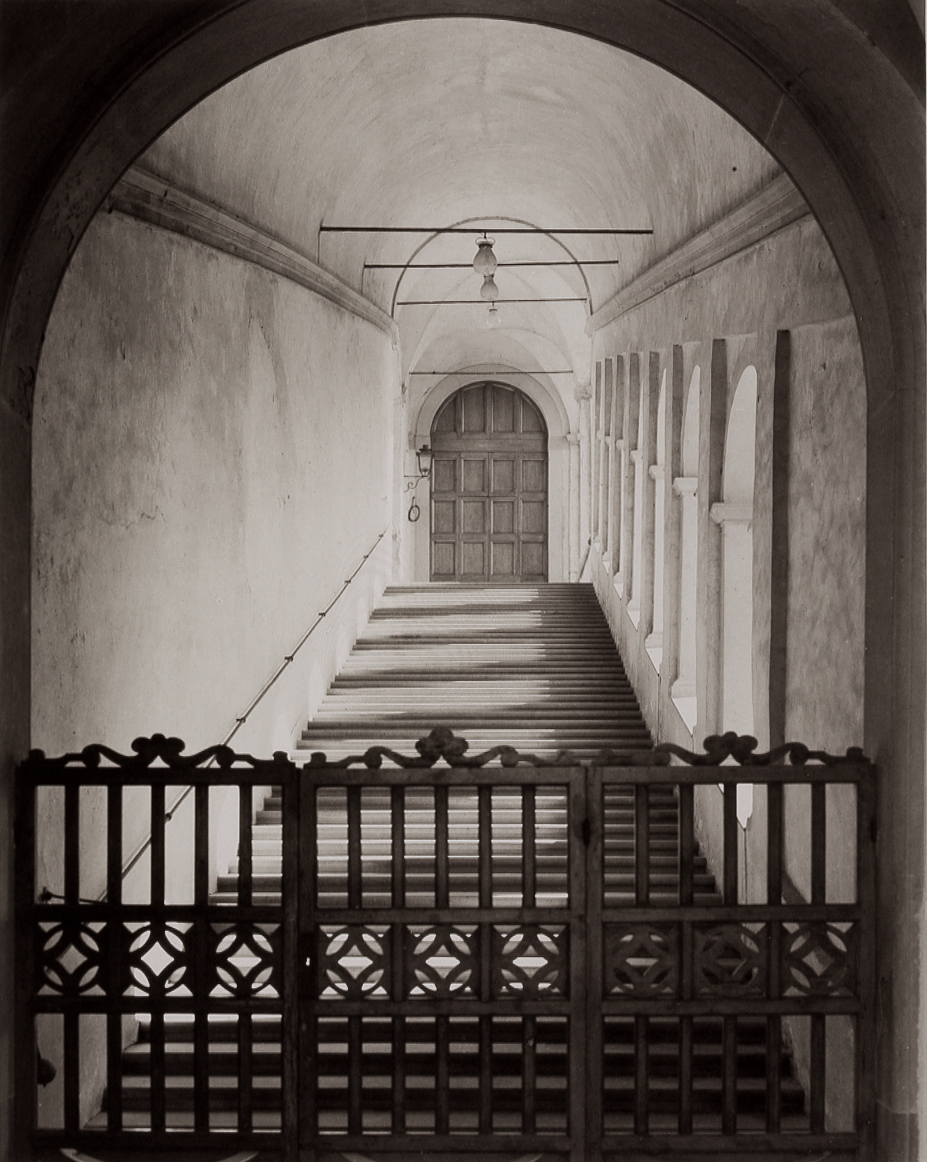 T-Wooden Gate and Stairs-Chiesa la Certosa, Galluzzo.jpg