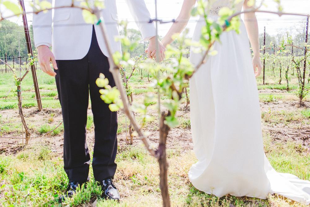 PA vinyard wedding_024.jpg