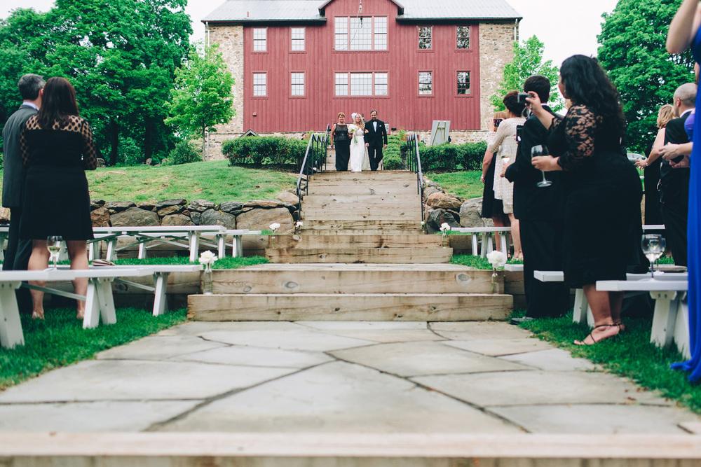 PA vinyard wedding_030.jpg