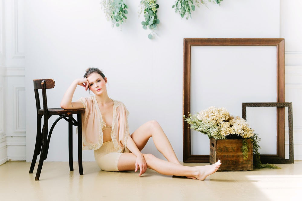 claireloveslove_millay vintage_kinfolk inspired boudoir010.jpg
