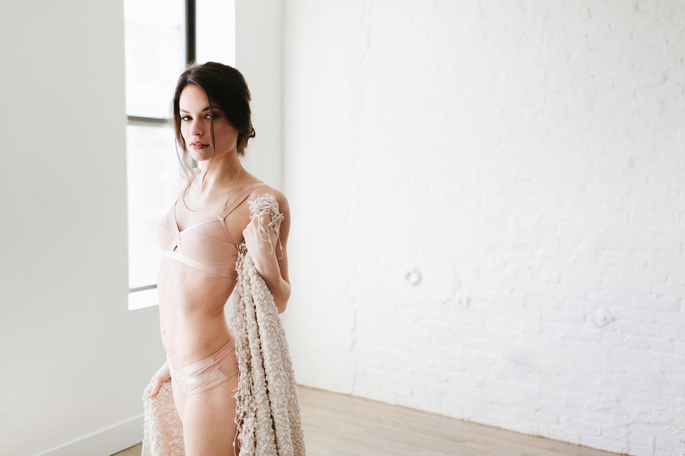 Alexa_modern boudoir008.jpg