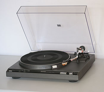 Technics SL-221 belt drive.  Easy to find table; easy on the wallet.