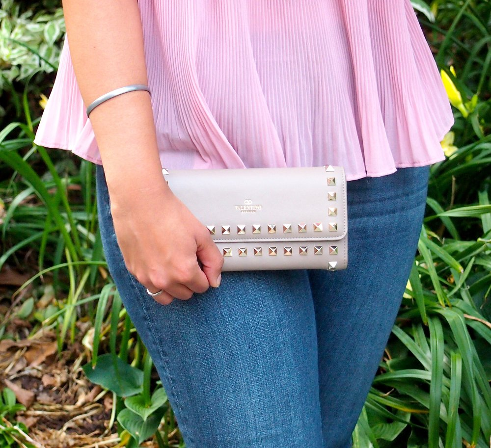 valentino-rockstud-clutch-fashion