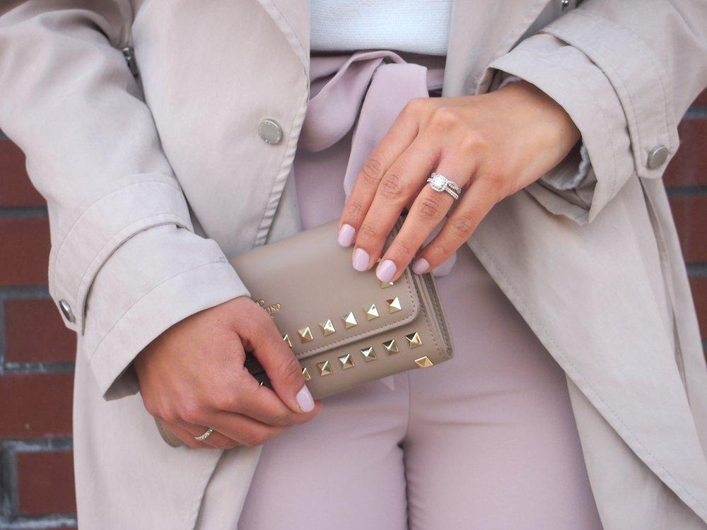 designer-valentino-clutch-nude-pink