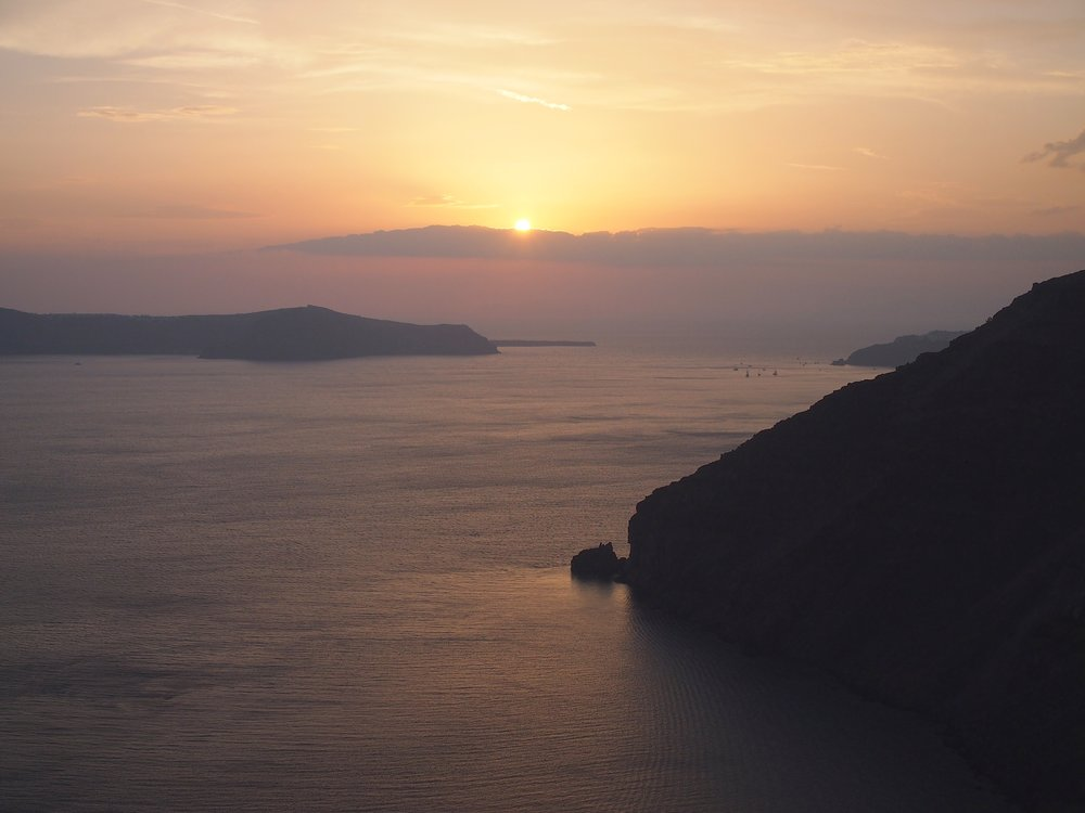 santorini-greece-sunset-caldera.JPG
