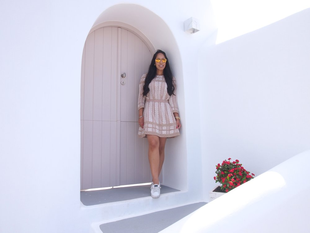 fashion-blogger-fira-santorini-greece-travel-guide.JPG