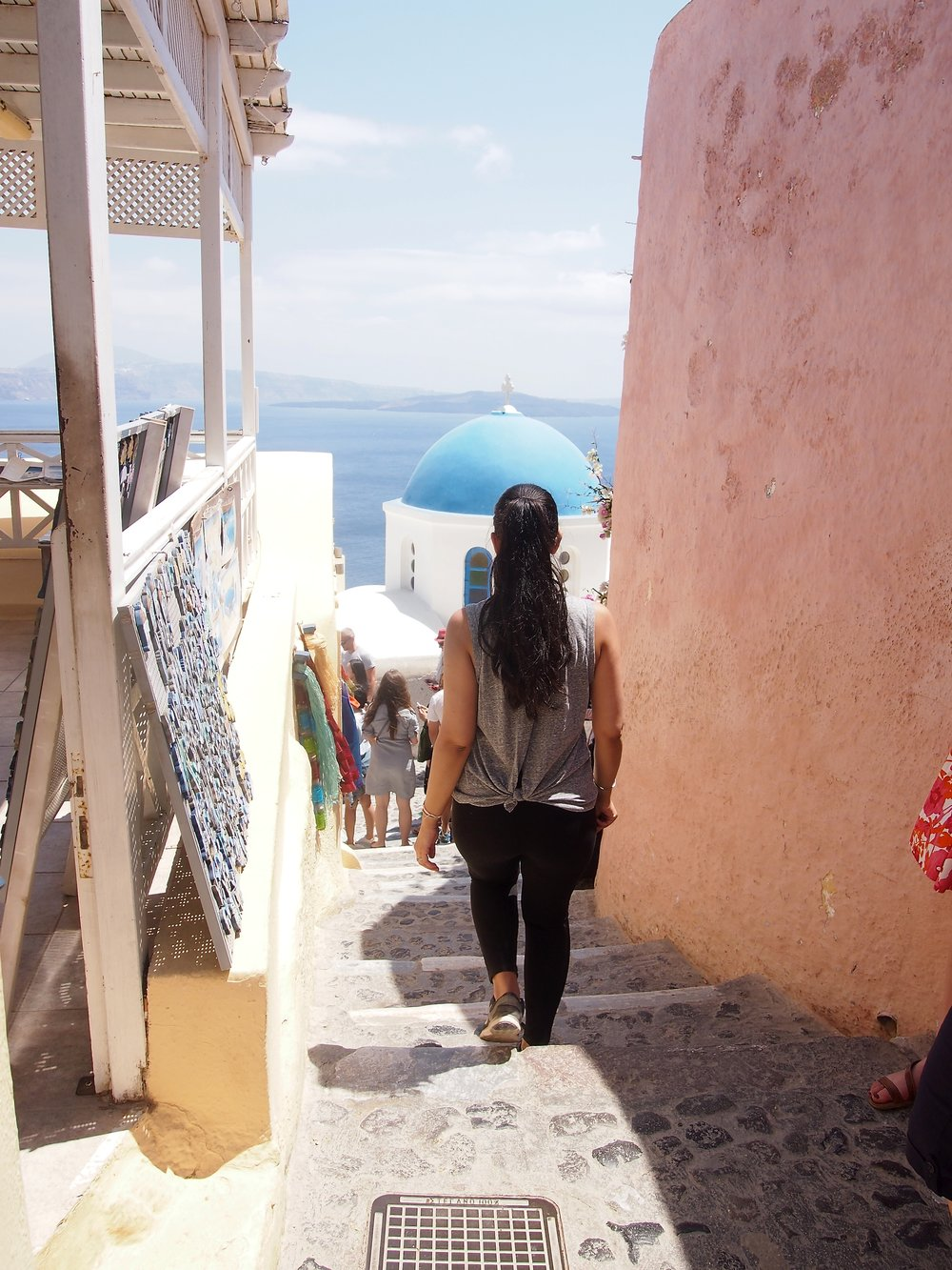 fashion-blogger-santorini-greece-travel-guide.JPG