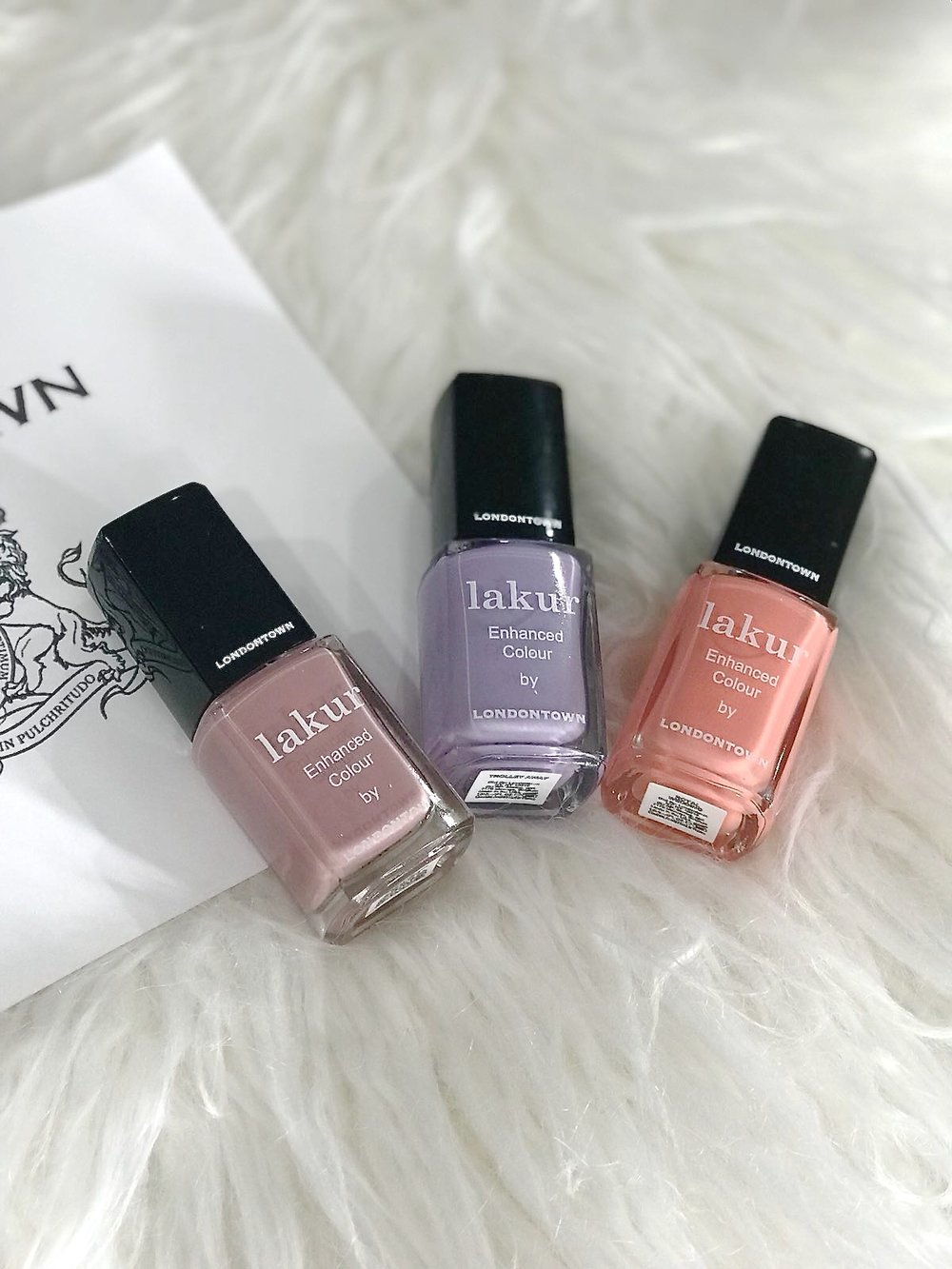 londontown-lakur-nail-polishes-review.JPG