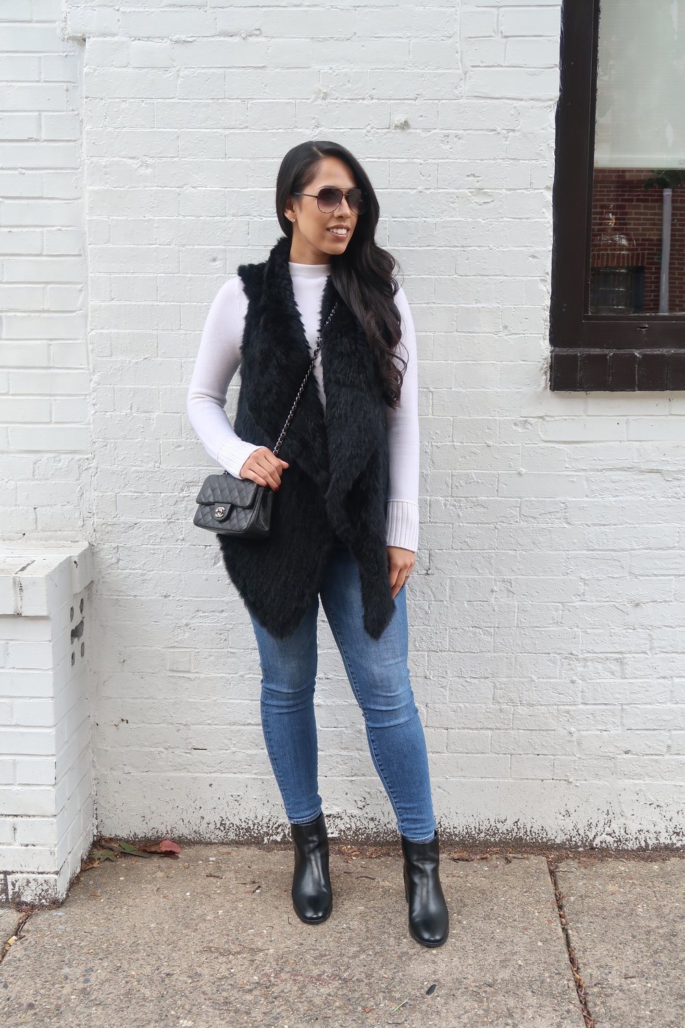 justfab-fur-vest-chanel-bag-fashion-blogger-mygoldenbeauty.jpg