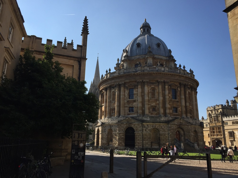 Oxford campus always crowded with tourists magic