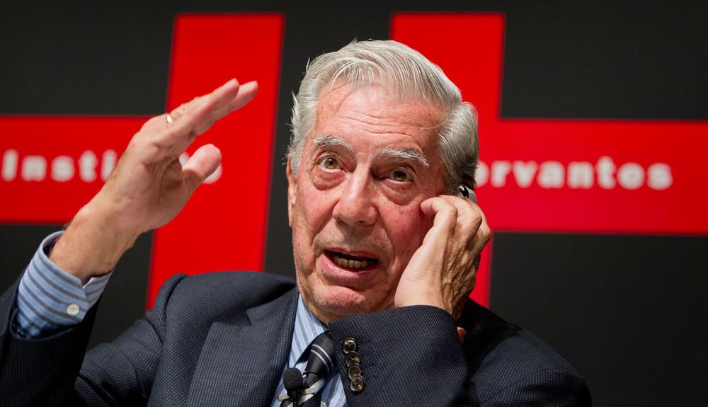 20110620_Mario_Vargas_Llos_at_Institute_of_Cervantes_IMGL01.jpg