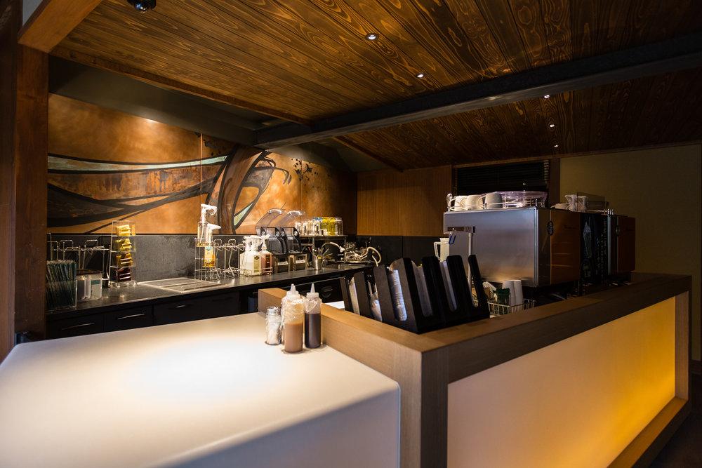 775000622CJ037_Starbucks_Op.JPG