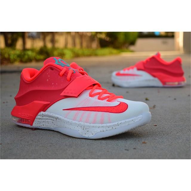 b90fb8f3b13e Nike KD 7