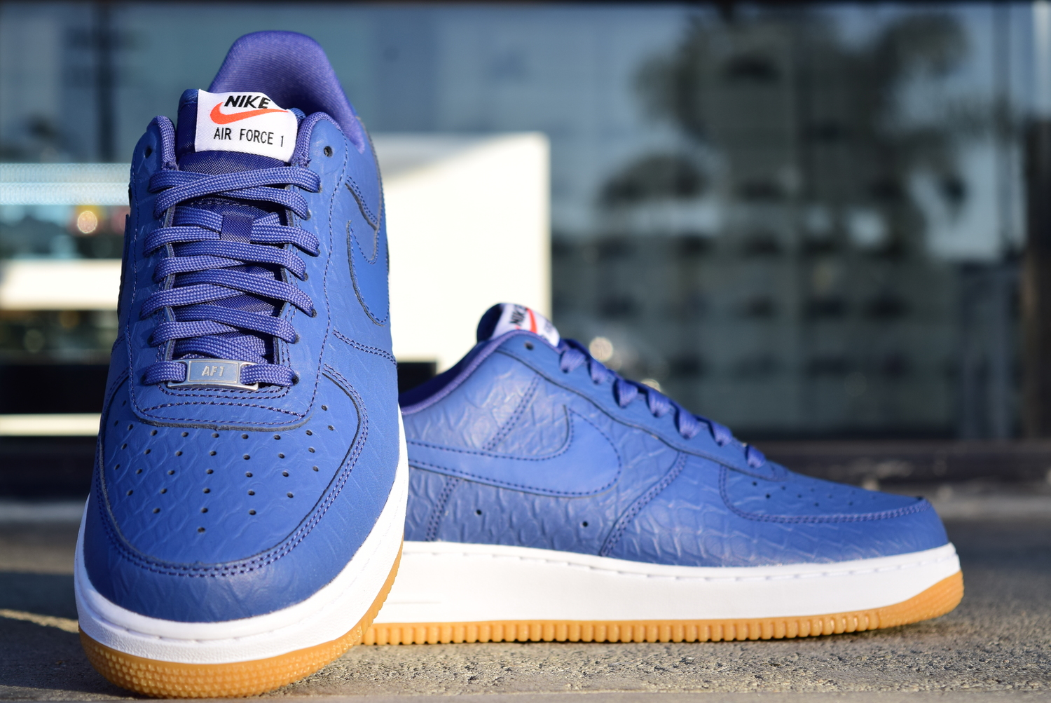 big sale 57d2b a1f11 Nike Air Force 1 07  LV8