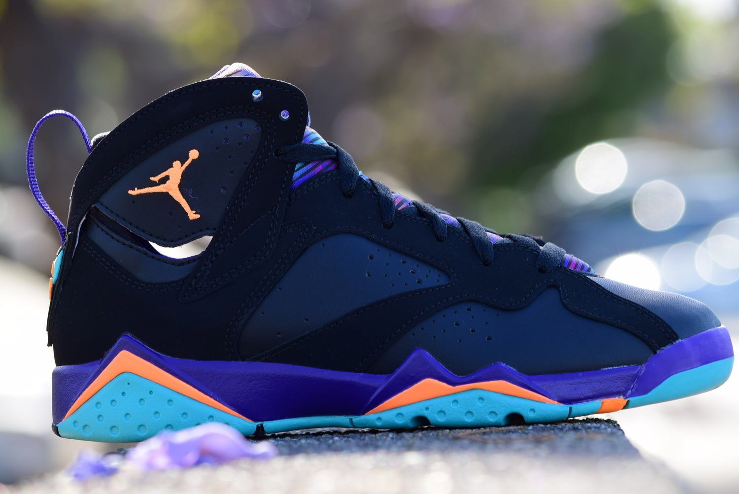 new images of detailed pictures new images of Air Jordan 7 Retro