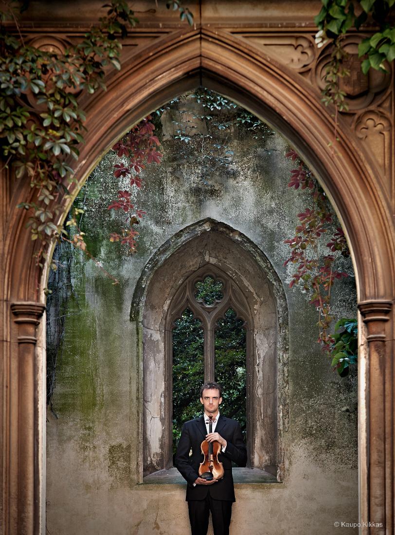 Violinist Benjamin Baker