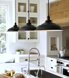 Iron pendant feature lighting.
