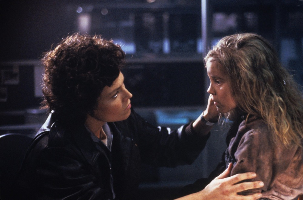 Sigourney Weaver and Carrie Henn in  ALIENS .