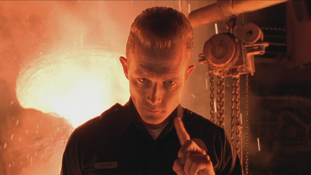 "Robert Patrick's ""mimetic pollyalloy"" T-1000 could look like anyone. For most of  T2 , he looks like an LAPD patrolman."