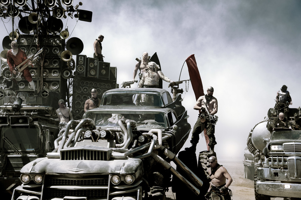 Hugh Keays-Byrne (chalk white, center) as Immortan Joe in  Fury Road  (Jasin Bolland).
