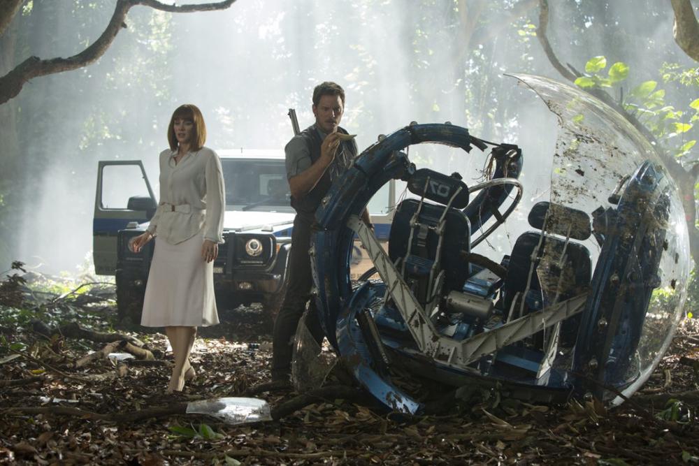 Bryce Dallas Howard and Chris Pratt star in a surpisingly retrograde blockbuster. (Universal)
