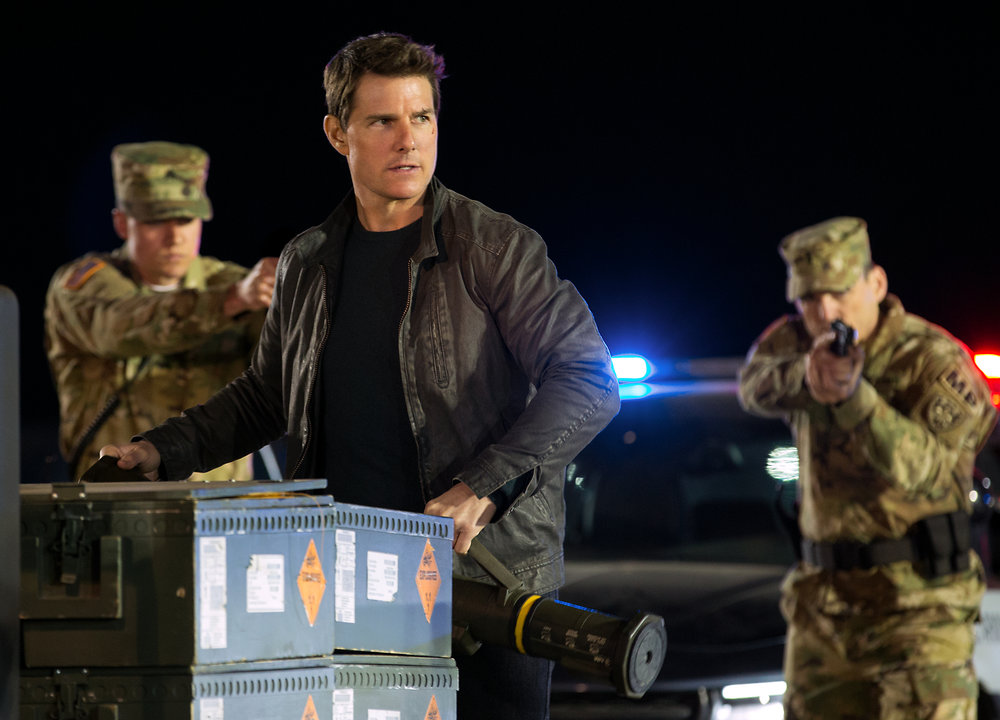 Tom Cruise is in a tough spot in  Jack Reacher: Never Go Back.  (Paramount/Skydance).