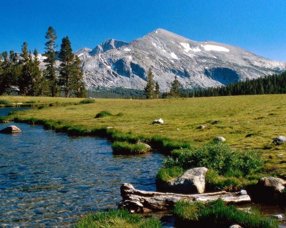 Mammoth-Peak-lake-landscape-mountain-1280x1024.jpg