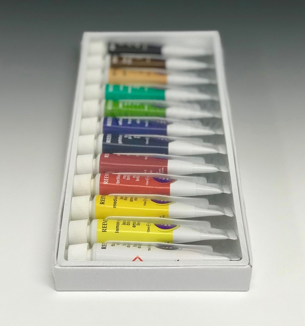 "Student Oil Set - My kit includes a set of 12 small tubes with a primary and secondary palette. Student-grade paints have about half the pigment of artist-grade. I start students off with this less expensive option in case they decide oils are not for them. I suggest they graduate to the ""big kid paints"" as soon as they decide to continue and are willing to make the investment. Here are the brands and colors I highly recommend."