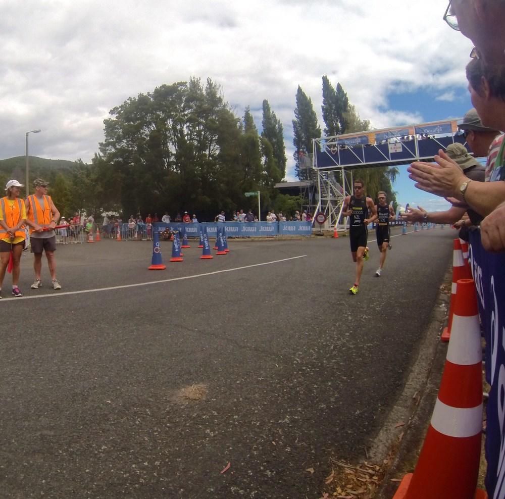 Ryan Sissons och Tony Dodds ut på löpningen
