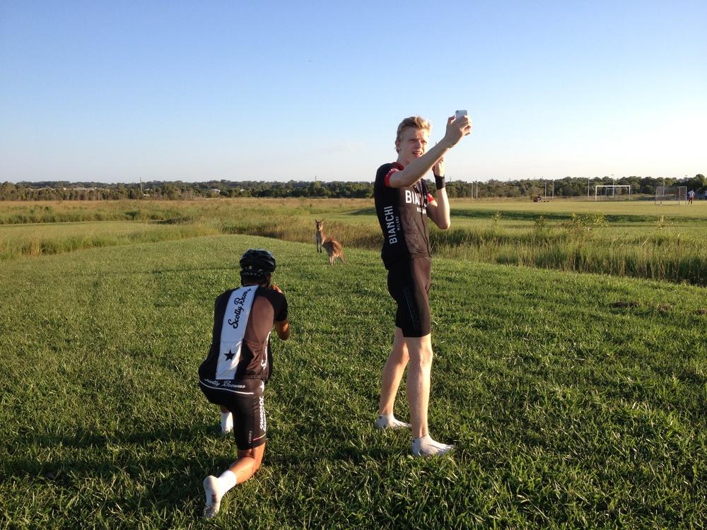 Efter loppetturistaNick Rennie, Emil och jag liteoch kollade påkänguru. Bra dag helt enkelt!