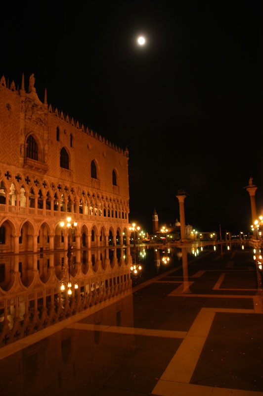 Venetian-moon.jpg