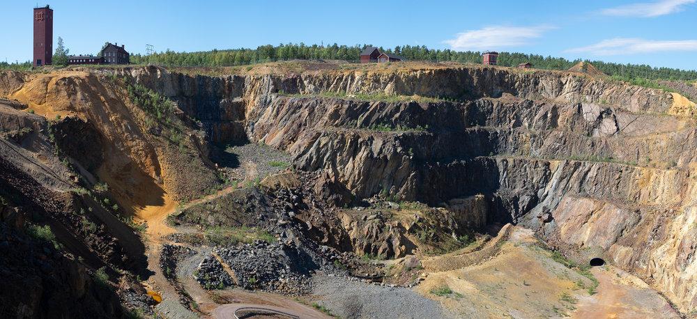 Minen med indgangen nede til højre