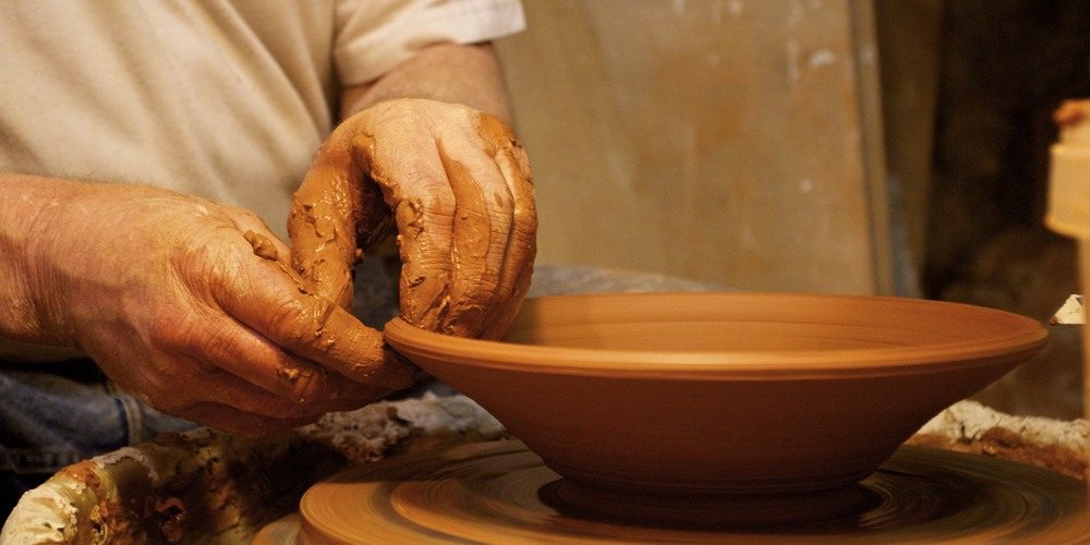 making a bowl near uzès