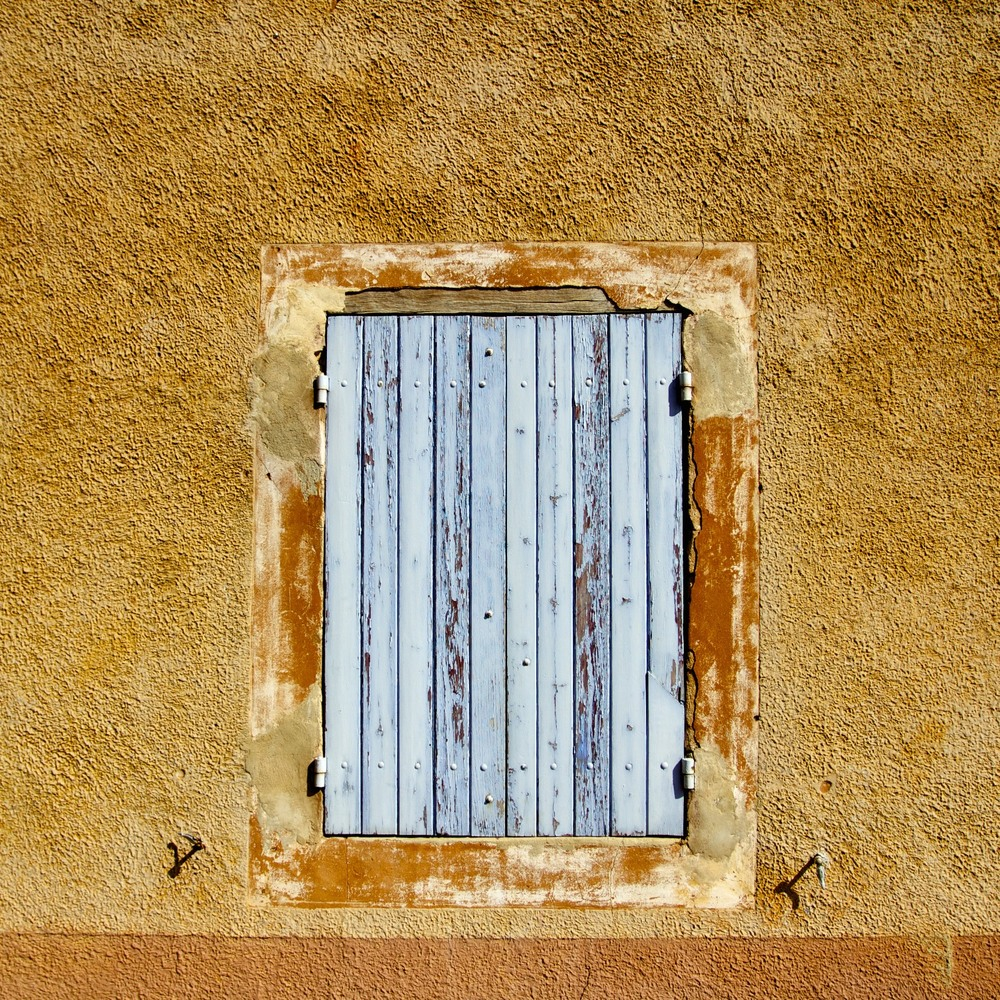 Window in Roussillon, Vaucluse, France.