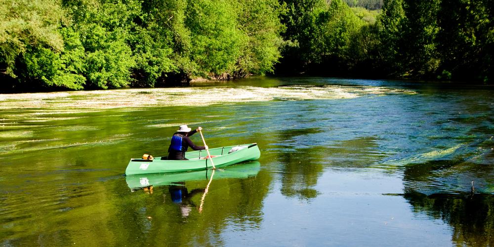 Canoe in Dordogne.jpg