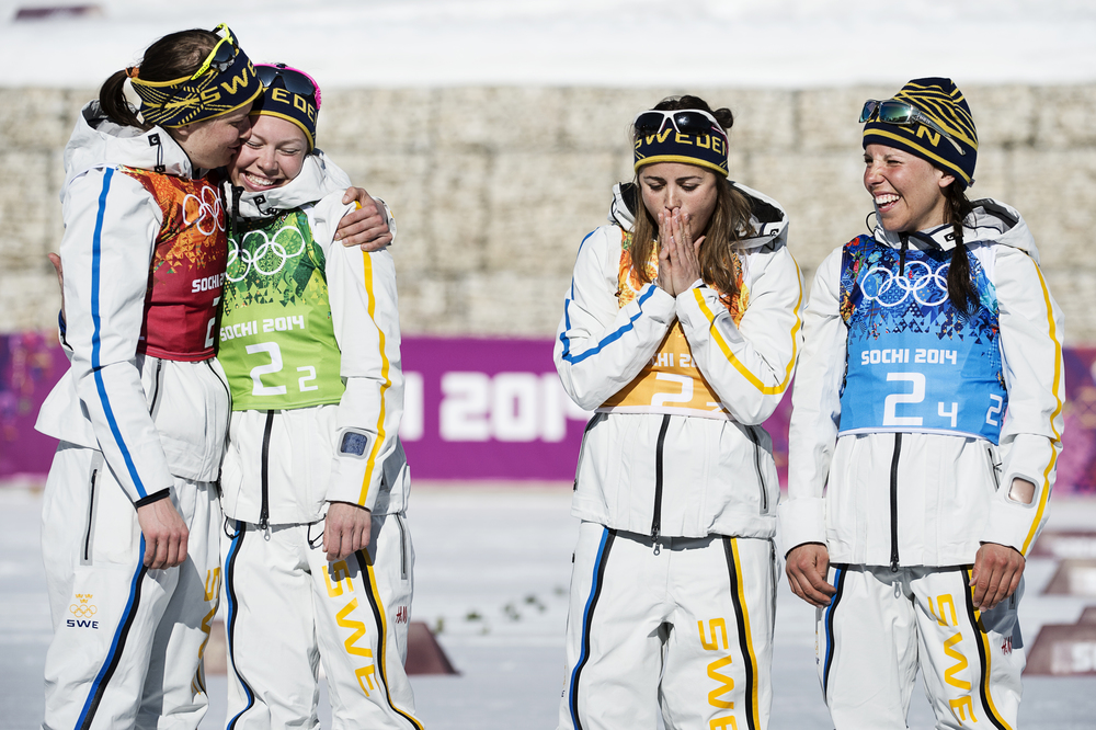 Överst på pallen. Ida Ingmarsdotter, Emma Wikén, Anna Haag och Charlotte Kalla tog guld i damernas stafett.