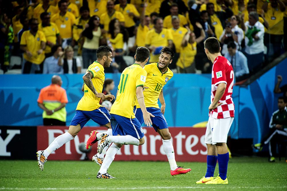 Neymar gör 1-1.