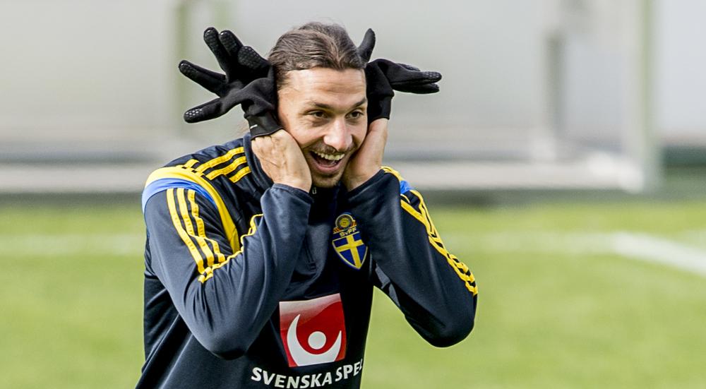 Zlatan skojar till det på en träning i Liechtenstein.