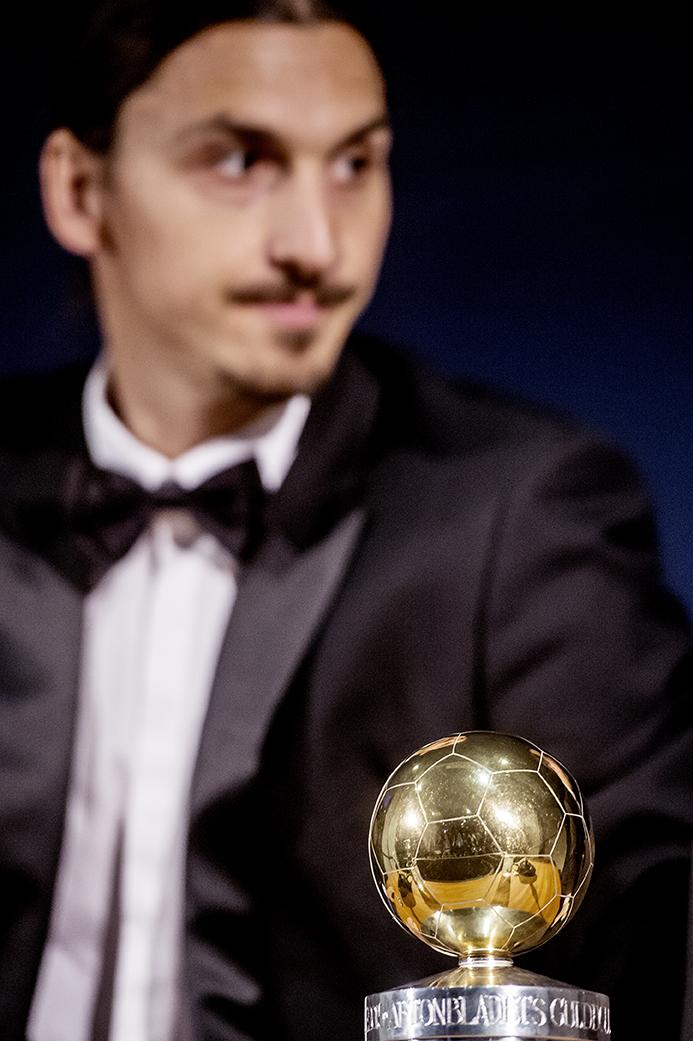 Zlatan Ibrahimovic håller presskonferens i globen efter att han vunnit guldbollen för 10:e gången.