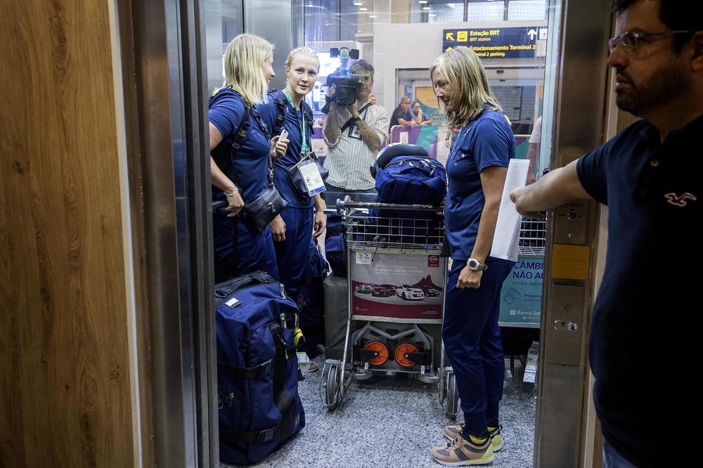 OS_svenskar_flygplatsen_FOTOGRAFPONTUSORRE0265.JPG