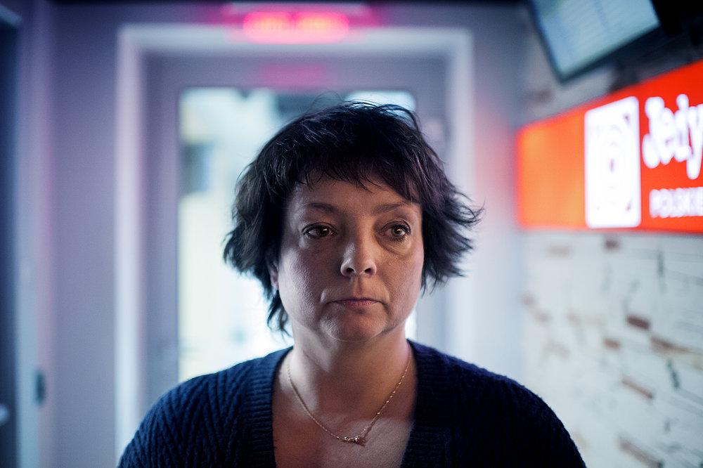 Blev skickad till Warszawa med anledning av de nya medialagarna som trädde i kraft vid årsskiftet. Radioprofilen på Polskie radio, Zuzanna Dabrovska var orolig.