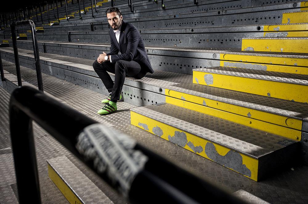 Med någon timmes varsel rykte jag in och plåtade Danny Avdic i AIK. Här på norra stå, Friends arena.