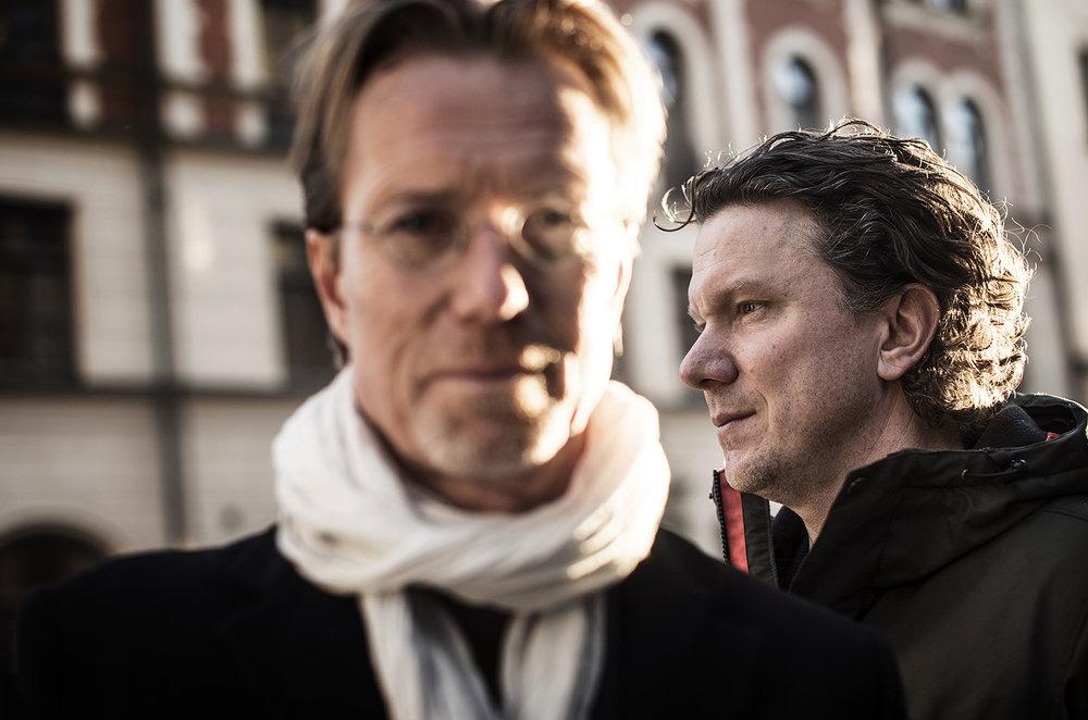 Författarporträtt av Anders Roslund och Stefan Thunberg.