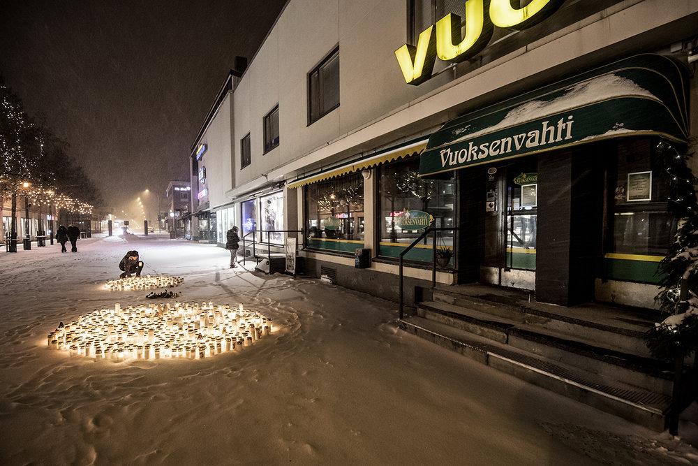 Hamnade i Imatra, Finland, där tre personer sköts ihjäl.
