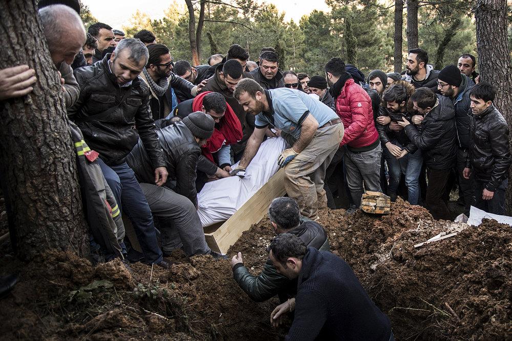 0397terror_begravning_Istanbul_FOTOGRAFPONTUSORRE.jpg
