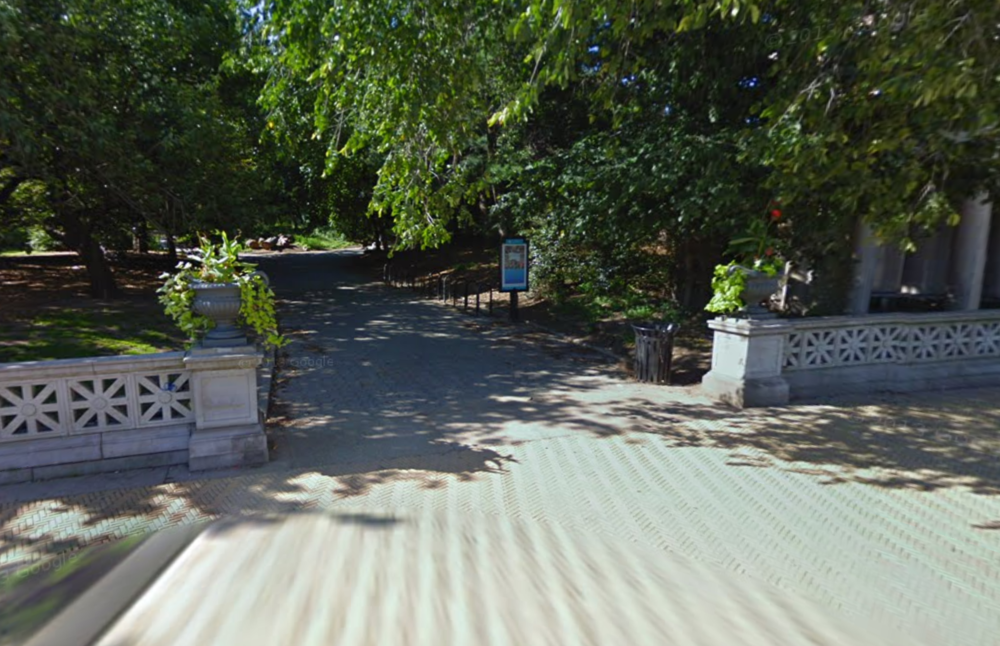 The Grand Army Plaza meeting spot   Click the image to enter Google Street View