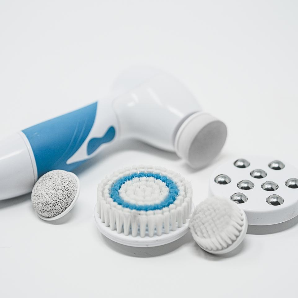 Waterproof Facial scrubber -