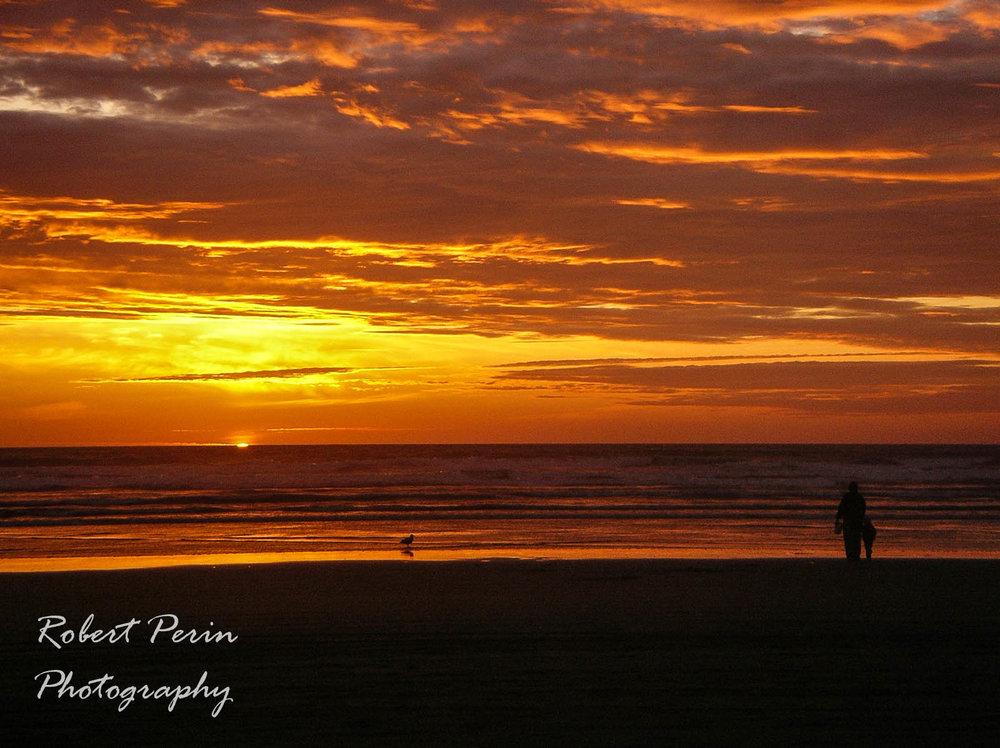 SUNSET STROLL AT OCEAN SHORES
