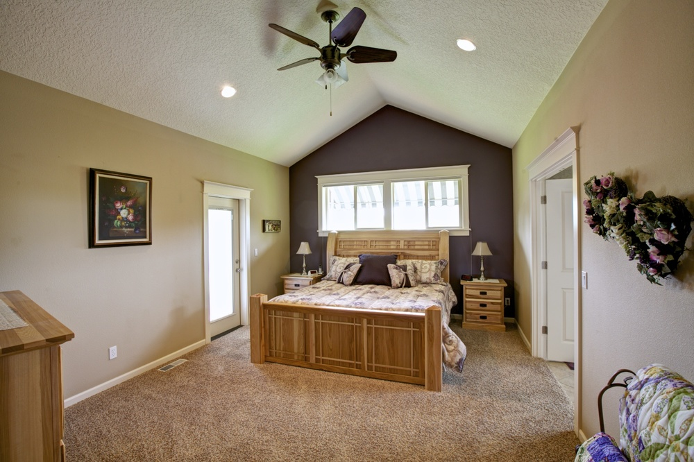 15_12473 Rogue River Way, Oregon City.jpg